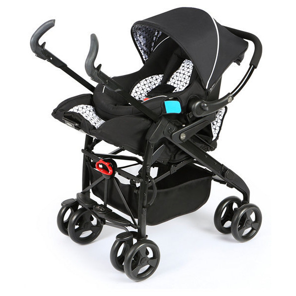 Silver Cross 3D Monochrome travel system. Image from Pinterest